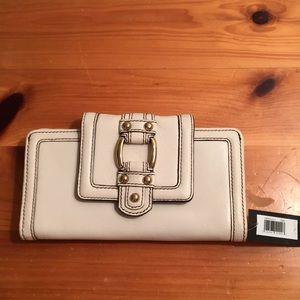 NWT Banana Republic Cream Leather wallet